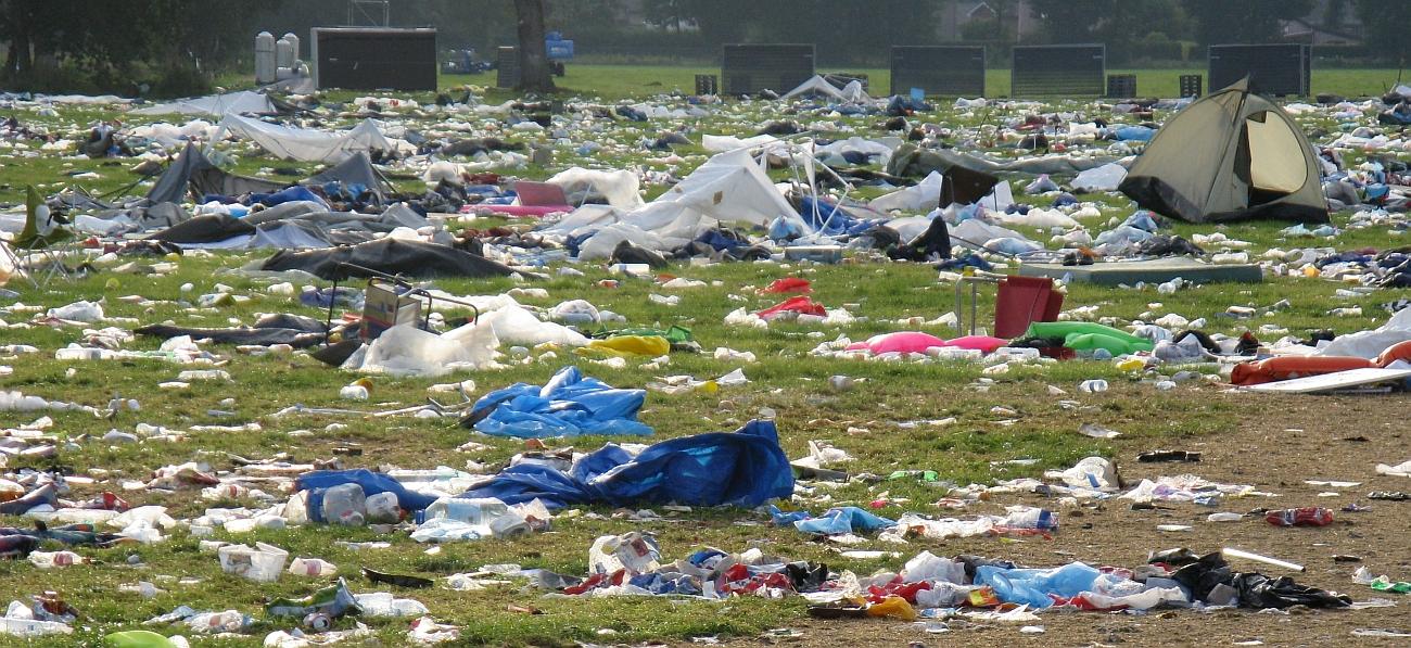 Gaat plastic afval verboden worden op festivals